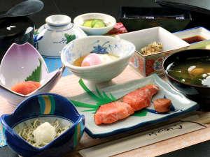 【朝食一例】朝食は1日の活力!炊きたてのコシヒカリを召し上がれ