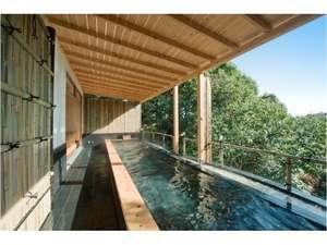 全長7メートルの貸切露天風呂