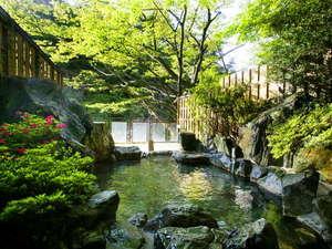■もみじの湯■ 「清々しい空気の朝風呂」「夜空と深い山が魅せる夜風呂」どちらも楽しみたい!!