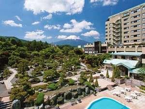 霊峰富士と2万坪の庭園に抱かれた感動の宿
