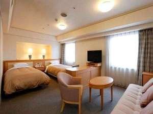 ☆デラックスツイン☆記念日・家族旅行等におすすめ♪広い客室でくつろぎのホテルライフをお過ごしください