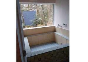 露店気分の庭園家族風呂