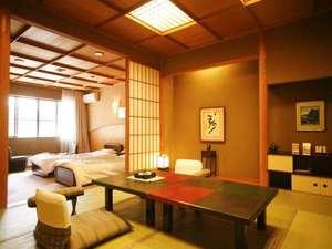 雅麗の間(32号室)和洋室タイプ〈10帖+TWベッドルーム〉7名まで宿泊可能。