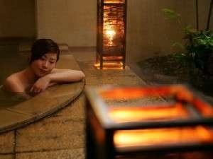 寒河江の格安ホテルホテルシンフォニー 女性露天風呂で寛ぐ