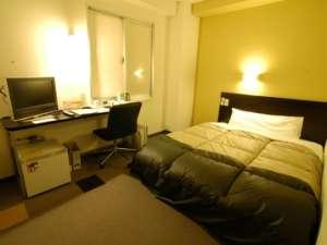 全室、広々ダブルベット。ごゆっくりお休み下さい。