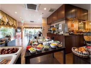 朝食は1階ラウンジにて6:00~9:00の間提供しております