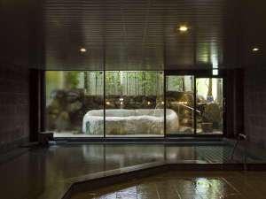 露天付き大浴場「熊野湯」。