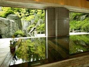 【大浴場】樹齢2千年を超える古代檜の湯殿でお寛ぎ下さい