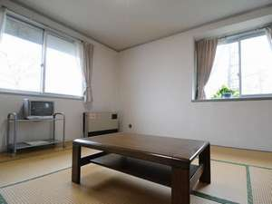 和室の家族部屋です。洗面台がついております。