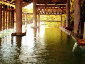 季節の息吹を感じる【露天風呂】ほか、季節や時間によって様々に表情を変える「良質な湯処」たち