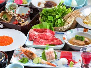 """食卓を彩るのは、煌びやかに輝く【四季の恵み】。目で舌で、""""五感""""であなたを幸福へ導きます。"""