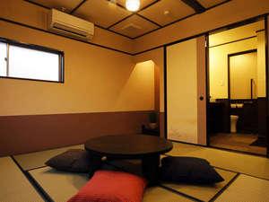 全室が趣向の違ったお部屋。洗面・トイレ付、踏込スペースも広々。