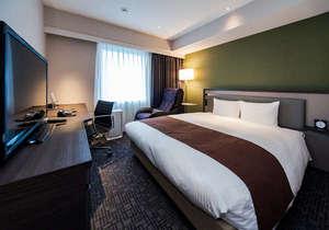 ◆モデレートダブル◆広さ21平米に168cmサイズのベッド、マッサージチェアも常設