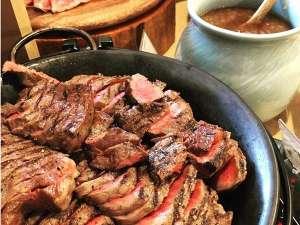 土曜限定スペシャルディナーメニュー「黒五和牛のグリル・タリアータ」