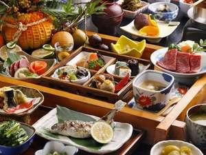 【夕食】季節の「美味しい」をつめこんだ郷土会席です(秋)/例