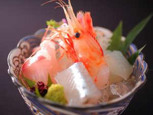 富山湾の地魚はじめ今が旬の魚のお造り、五種盛。