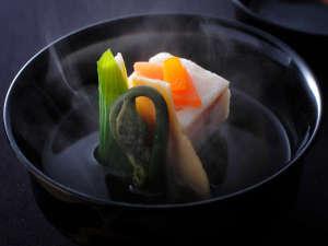 【お料理】大切なご旅行に相応しいお料理をお愉しみください。