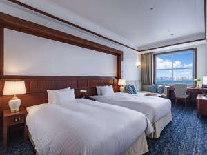 【プレミア海峡デラックスツイン】34-37平米の客室。