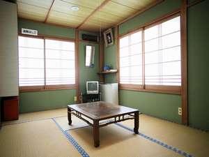 のんびりおくつろぎいただける和室。お部屋からは海がご覧いただけます♪(一例)