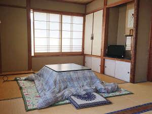 【客室一例】ぬくぬく♪冬はお部屋にコタツをご用意