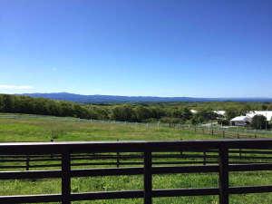 那須高原を見渡す牧場からの眺め