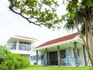 Ke Iki beach house and cafe (ケイキ ビーチハウスアンドカフェ) [ 国頭郡 今帰仁村 ]