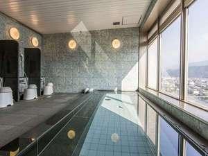 男性展望浴場☆★お天気のいい日には遠くに石鎚山が見えます♪