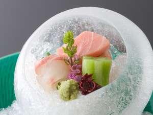 日本料理「錦」では瀬戸内海の美味を堪能できます。