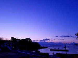 ■周辺景色_天気のいい朝は早起きして外の空気で新鮮な一日のスタートを。