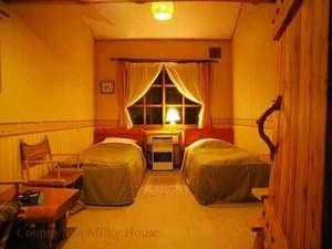 ゆとりのメゾネットルームは、ロフトスペースもありゆとりの部屋