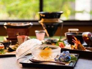 山海創作料理は季節ごとに変わります。