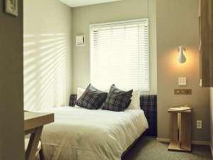ダブルルーム!ベッド幅150cmのSertabedで快適にお休み頂けます。
