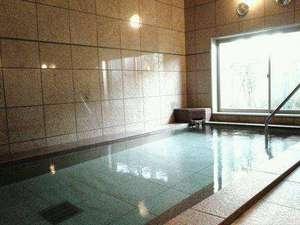 1Fの人工温泉は深夜2:00迄。翌朝5:00~8:30で入浴可。