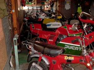 バイク~オーナーのコレクションルーム♪博物館よりもすごいものが・・。
