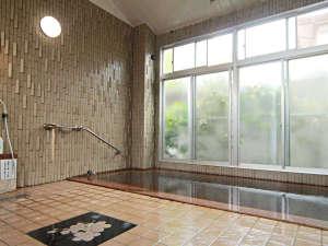 【温泉】源泉かけ流しの温泉は加水・加温一切無し。クチコミでも好評です。