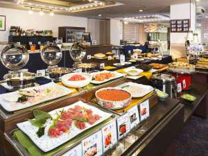 ◆朝食バイキングイメージ。新鮮なお刺身や、和洋中できたてのお料理を朝から思う存分お楽しみください。