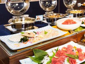 朝食バイキング/新鮮なお刺身を自分で盛る「勝手丼」が人気。「郷土料理コーナー」もおすすめ※イメージ