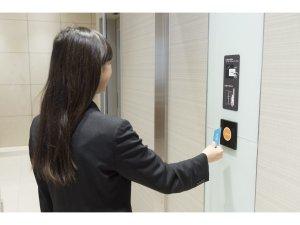 【3Fロビーから客室用エレベーターホールへ】ルームキーをかざすとエレベーターホールに入る事ができます。
