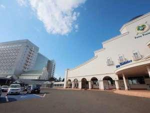 札幌郊外にあるプールと温泉を兼ね備えたリゾート