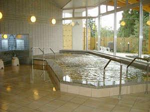 *【温泉棟・大浴場】温泉棟は広々とした造り。手足を伸ばしてお寛ぎ下さい。