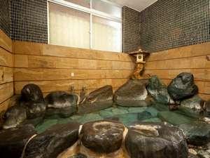 離れの温泉岩風呂滞在中何度でも入浴できる
