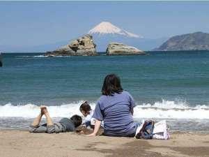 徒歩1分雲見海岸から世界遺産富士山を望む