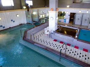 """湯船8種+サウナ2種。湯船もシャワーも""""ナノ水""""の内湯"""