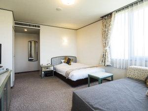 シングルルームでもダブルベッドでゆったり お部屋も25㎡のビックサイズ★