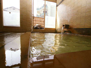 ■【温泉・男風呂内湯】24時間入浴可能!心行くまで湯治宿の温泉をご堪能ください。