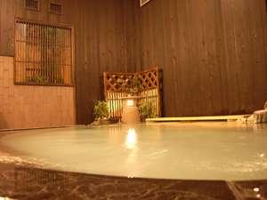 ゆっくりと温泉に浸かってください・・・。