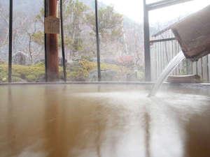 【露天風呂】源泉かけ流し100%。ぬるめのお湯にゆっくりと浸かりませんか