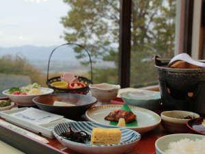 朝食■地元の山海を活かした料理♪栄養満点です。