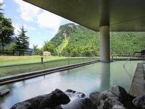 渓谷露天風呂