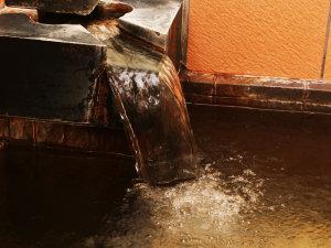 ■【温泉・女湯】加水・加温・循環は一切なし。濃厚な源泉かけ流しです。